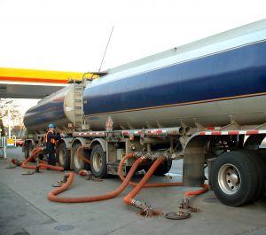 21066_gasoline_tanker.jpg