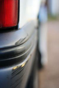 923935_car_parking_dent.jpg
